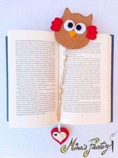 Items similar to Felt owl bookmark on Etsy : simpatico gufetto segnalibro in feltro interamente cucito a mano ottimo come idea regalo.Nice bookmark entirely realized in felt end hand-sewn.great for a gift idea Kids Crafts, Felt Crafts, Diy And Crafts, Craft Projects, Sewing Projects, Paper Crafts, Felt Bookmark, Bookmark Craft, Diy Bookmarks