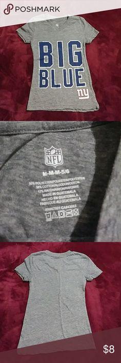New York Giants girls tee NFL new York giants v neck short sleeve t-shirt for girls size medium 5/6 ..material shown on photo above Shirts & Tops Tees - Short Sleeve