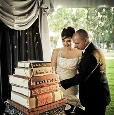 Gloucestershire Libraries loves this cake! A book wedding cake? Now that's love!