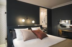 Q Hotel Paris is a luxury boutique hotel in Paris, France. View our verified. - Tyler Wisler Home - Paris Hotels, Coq Hotel Paris, Design Hotel, Room Interior, Interior Design, Modern Interior, Modern Furniture, Hotel Decor, Hotel Interiors