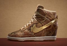 Nike WMNS Year of the Snake Air Max 1 & Dunk Sky High