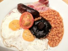 english breakfast--the ultimate comfort food. Hummus, English, Breakfast, Ethnic Recipes, Food, Morning Coffee, Essen, English Language, Meals