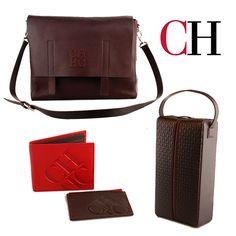 -Accesorios para Hombre CH-  Vístete con impecable elegancia y resalta tu buen gusto con las maletas y los accesorios en cuero que Carolina Herrera diseño especialmente para hombre.