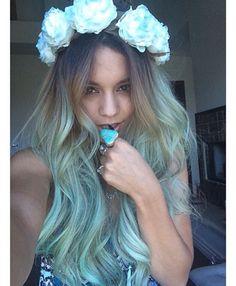 Vanessa Hudgens Pulls a Kylie Jenner, Debuts Blue Hair | Cambio