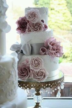 image of Fondant Lace Wedding Cake ♥ Wedding Cake Design Cake Roses, Rose Cake, Mod Wedding, Dream Wedding, Wedding Day, Lace Wedding, Trendy Wedding, Chic Wedding, Floral Wedding
