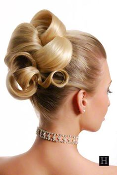 woman wedding up do hairstyle blonde hair