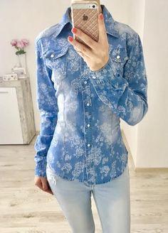 Rifľová košeľa s bielymi kvetmi - Ladyeshop. Denim, Jackets, Fashion, Down Jackets, Moda, Fashion Styles, Fashion Illustrations, Jacket, Jeans