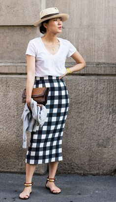 Your go-to summer outfit: Straw Hat + T-Shirt + Gingham Skirt