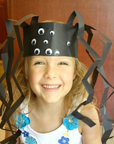 Spider Headband Craft - cute idea for Halloween! #spider #crafts #kids #hat
