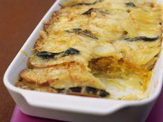 Kürbis-Kartoffel-Gratin mit Salbeiblättern ein Rezept mit frischen Zutaten aus der Kategorie Blütengemüse. Probieren Sie dieses und weitere Rezepte von EAT SMARTER!