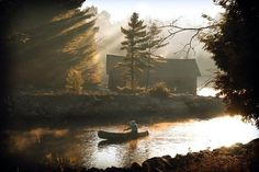 ある老人が早朝に川でカヌーを漕いでいる写真が素晴らしいと話題