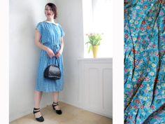 Vintage Kleid Sweet Blue Blümchenmuster 80er von SuitcaseInBerlin