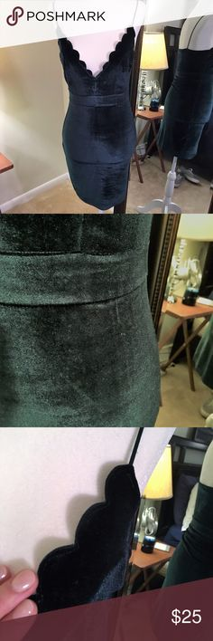 Emerald Green Deep V Velvet bodycon dress Extreme stretch. Gorgeous and very flattering.  Comfortable. Worn once. Dresses Mini