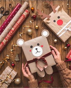 18 How to Make a Christmas Eve Box * aux-pays-des-fleu. - 18 How to Make a Christmas Eve Box * aux-pays-des-fleu… Best Picture For diy furniture For Your - Christmas Gift Wrapping, Diy Christmas Gifts, Simple Christmas, Holiday Gifts, Christmas Decorations, Christmas Ideas, Christmas Packages, Christmas Christmas, Rustic Christmas