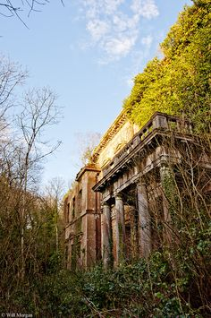 abandonedography:  The front doorway to the mysterious Baron Hill, Will Morgan      (via TumbleOn)