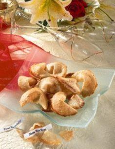 Das Rezept für Millennium  Glücks-Kekse und weitere kostenlose Rezepte auf LECKER.de