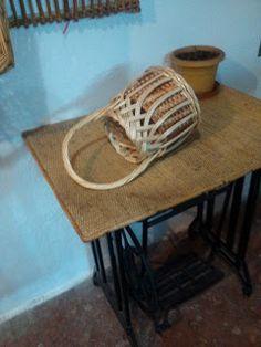 Nico, el artesano de mimbre, anea, rejilla, cuerda y caña: