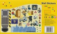 Meer dan 50 muurstickers uit het LEGO City Politie thema. Maak de gladde ondergrond goed schoon alvorens u de muurstickers opbrengt.