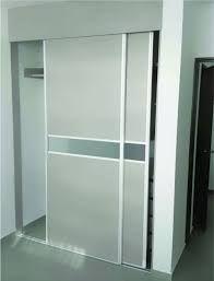 Sistema corredizo al suelo para puertas de closet de hasta for Puertas corredizas de metal
