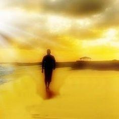 Atitudes nos levam a crescer na nossa existência carnal e espiritual a pensar reformular a nossa vida. #bretaslelepensamentos #com #luz #passos #passos com luz