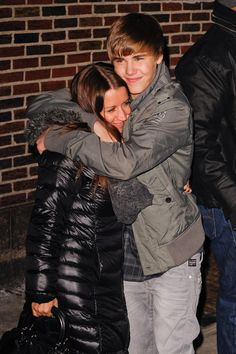 Pin for Later: 90+ Stars Being Sweet With Their Moms Justin Bieber Justin Bieber and his mom, Pattie, shared a hug outside the Late Show studios in January 2011.
