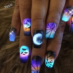 Discovered by ♌Fay Flitzgerard♌. Find images and videos about beautiful, nails and Halloween on We Heart It - the app to get lost in what you love. Blue Acrylic Nails, Summer Acrylic Nails, Acrylic Nail Designs, Nail Art Designs, Summer Nails, Design Art, Stylish Nails, Trendy Nails, Bling Nails