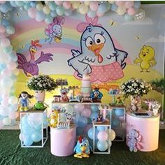 Festa Galinha Pintadinha. Por @guilanafestas @cupcakemil00 @ricciardijane #encontrandoideias #blogencontrandoideias #festagalinhapintadinha #galeriagalinhapintadinha Candy Colors, First Birthdays, Party Themes, Alice, Baby Shower, Maya, Instagram, Ballet, Baby Birthday