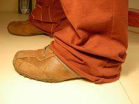 Scuola di cucito: Come fare l'orlo dei pantaloni sportivi con la macchina da cucire
