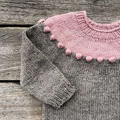 Ravelry: Pearls-on-a-string Sweater pattern by Pernille Larsen Baby Girl Sweaters, Toddler Sweater, Knitted Baby Clothes, Knitted Hats, Knitting Short Rows, Knitting For Kids, Baby Sweater Knitting Pattern, Baby Knitting Patterns, Sweater Patterns