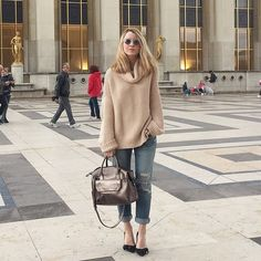The Sharifa goes to Paris, as worn by @the_caroo #onebagendlessdestinations