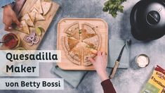 Quesadilla Maker - Produkt von Betty Bossi - YouTube Quesadilla, Maker, Bamboo Cutting Board, The Creator, Lunch, Youtube, Food Dinners, Simple, Recipies