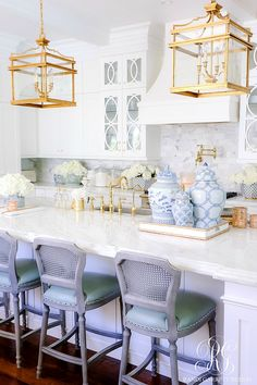 gorgeous white kitchen   #whitekitchen #chinoisserie #kitchendecor #gingerjars #summerdecor #bluerug  #bluegingerjar #whitedecor #kitchen #goldlantern #transitionaldecor #lightandairydecor Kitchen Styling, Kitchen Decor, Updated Kitchen, Kitchen Updates, Fourth Of July Decor, Affordable Rugs, White Throw Pillows, Glam Room, Soothing Colors