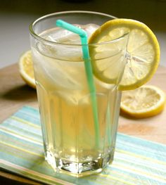 Copycat Starbucks Shaken Iced Peach Green Tea Lemonade Recipe