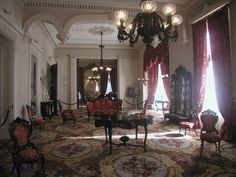 Detail of Cornelius gasolier in dining room Southern Mansions, Southern Plantations, Victorian Interiors, Victorian Homes, House Interiors, Hall House, Plantation Homes, Beautiful Interior Design, Beautiful Sites