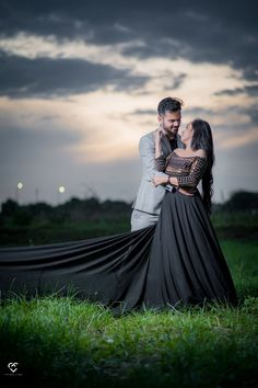 New Pre-wedding photo shoot idea is what we all would love to know this wedding season. Check out some amazing pre wedding shoot here. Pre Wedding Shoot Ideas, Pre Wedding Poses, Pre Wedding Photoshoot, Photoshoot Ideas, Indian Wedding Couple Photography, Wedding Couple Poses Photography, Bridal Photography, Portrait Photography, Wedding Couple Pictures