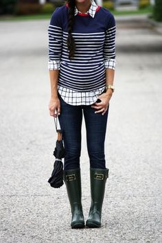 It has been so rainy and dreary here this month, and rain boots have become a staple item in most closets. When you're expecting, try considering that fun pair of rain boots you've never indulged in before to add a splash of color and some fun to your basics. Plus, you can get liners nowadays that will keep your feet dry and cozy throughout the whole winter. #maternity #style