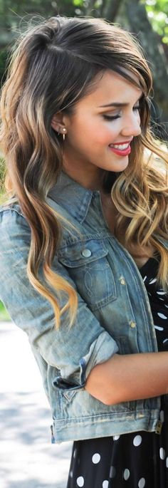 Amazing cut and color!! Love the blonde highlighting, looks sun-kissed!