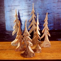 Trees carved from fallen wood in the Blue Ridge Mountains of North Carolina. Description from rusticnc.com. I searched for this on bing.com/images