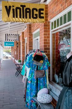 Gold Fever Vintage-Dunsborough A shop full of vintage/retro clothing,shoes,hats & more.Owned by Jen & Neen Felicity Ford Photography