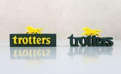 Diseño y producción de puntos de marca en goma eva para Trotters.