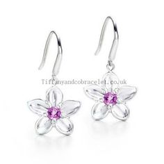 Tiffany And Co Earring Flower Silver 085 discount Tiffany jewelry Jewelry Show, Jewelry Accessories, Jewelry Design, Women Jewelry, Fashion Jewelry, Tiffany Jewelry Outlet, Tiffany And Co Earrings, Discount Jewelry, Silver Flowers