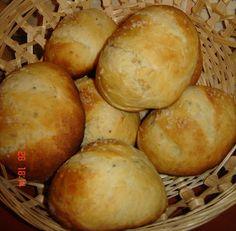 Chifle cu usturoi – La Ancuta Hamburger, Food And Drink, Bread, Blue Prints, Brot, Baking, Burgers, Breads, Buns