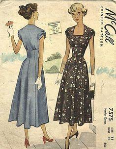 McCall 7575 Vintage Sewing Pattern Dress by studioGpatterns Vintage Dress Patterns, Dress Sewing Patterns, Clothing Patterns, Vintage Dresses, Vintage Outfits, Pattern Dress, Vintage Clothing, Moda Vintage, Vintage Girls