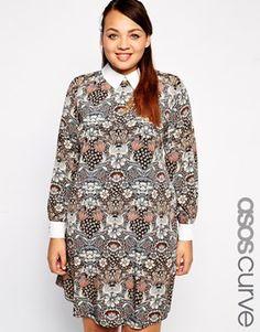 Exclusivité ASOS CURVE - Robe trapèze à imprimé cachemire avec col contrastant