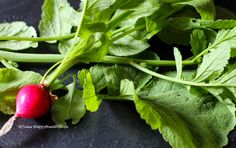 Radish leaves are too healthy to be thrown into the garbage