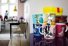moomin mugs on purple table. sigh.