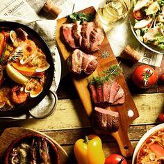 肉好き必見! イベルコ豚グリルはなんと200gもあります。脂身が甘くてオススメです。 一度ご賞味下さい! スペインバル ジャンキーズ 011-211-5058 #すすきの #ジャンキーズ #札幌 #スペインバル #女子会 #合コン #肉 #肉バル #誕生日 #記念日 #アヒージョ #パエリア