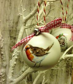 Ceramic Robin Bauble  £9.00