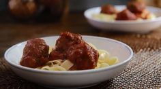 Slow Cooker Recipes - How to Make Easy Slow Cooker Meatballs