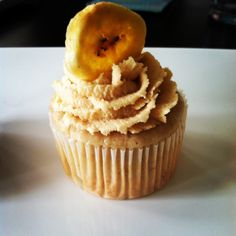 banana cupcakes with honey peanut butter frosting and chocolate filling
